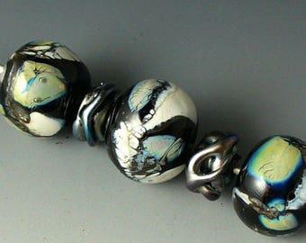 Lampwork beads/beads/SRA lampwork/double helix/silvered ivory/arctic/