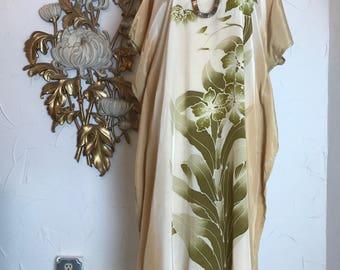1980s kaftan batik print dress vintage caftan tropical kaftan vintage longewear size medium vintage muu muu maxi dress