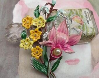 Vintage Painted Pot Metal Vintage Brooch Pin Flowers
