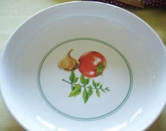Home Living Spaghetti 2 qt Serving Bowl w Tomato, Basil,Garlic  By Ragu Rewards 1980s/