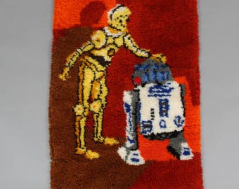 1970's Star Wars Latch-hook Shag Yarn Wall Hanging with R2-D2 and C3PO . Handmade Vintage Home Decor
