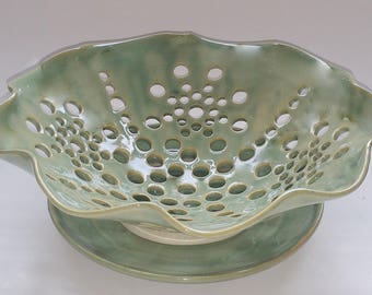 Scalloped Fruit Bowl, Berry Bowl or Colander - Green - Wheel Thrown Pottery