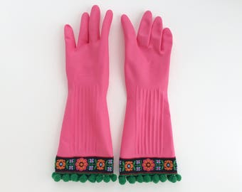 Designer Cleaning Gloves. Size Small and Large. Pink Dishwashing Latex Kitchen Gloves. Embroidered Flowers. Green Pom Poms.