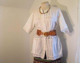 70s Vintage Mexican Blouse Pintuck boho top White Crochet lace blouse  M L
