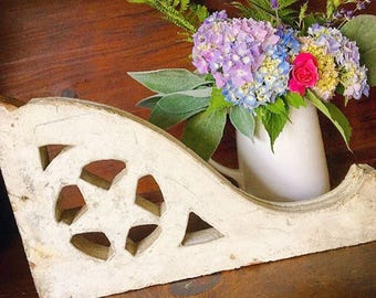 You're A Star... Antique Wood Corbel Ornate Star Chippy Original Paint Farmhouse Decor Architectural Salvage