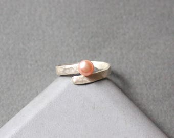 Tiny Sterling Silver Adjustable Ring with Peachy Freshwater Pearl, Rustic Surface Ring, Contemporary Pearl Ring
