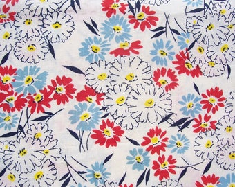 Vintage Cotton Floral Fabric 18 x 36 Feedsack Daisies White Red Blue