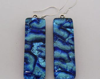 Dichropic glass dangle earrings