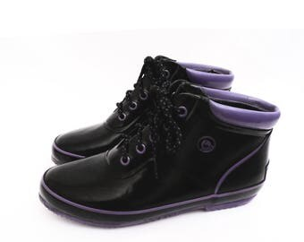 90's vintage DUCK BOOTS // lace up rain & snow boots // SHINY black and lavender purple // by Sporto women's size 8.5 - 9