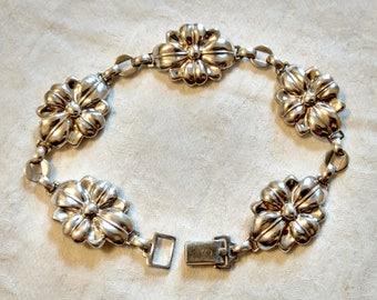 """Silver Floral Bracelet,  Vintage Sterling, WRE, pretty Flower Design, 7 1/4"""" long"""
