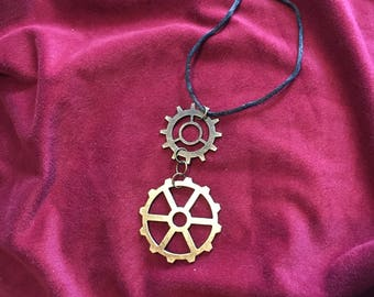 Large Gears simple steampunk pendant