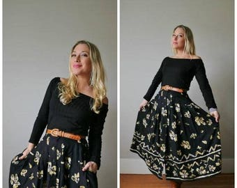 ON SALE 1990s Floral Button Front Skirt >>> Size Small
