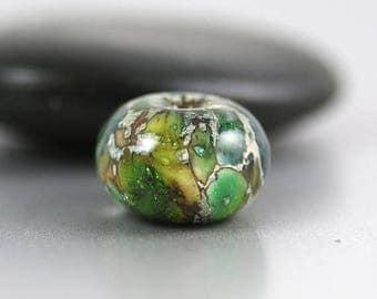 10% OFF SALE Lampwork Glass Beads - Green Single - Lampwork Beads - 14 x 8mm