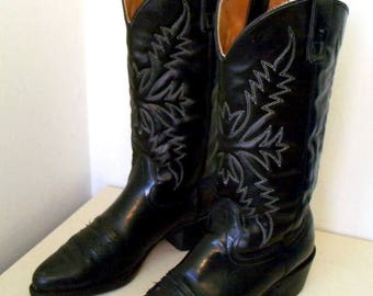 Beautiful Vintage Black leather Texas brand cowboy boots size 9 D or Cowgirl size 10.5