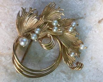 IPS 12K GF Circle Brooch with Leaves and Pearls