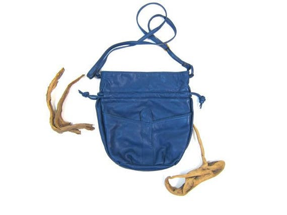 80s Blue Leather Purse Supple Leather Bucket Bag Vintage Cross Body Pouch Purse Drawstring Bag Slouchy Leather Fashion Purse Hipster Retro