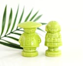Vintage Asian Man and Woman Salt and Pepper Shakers / Asian Salt And Pepper Shakers / Vintage Salt and Pepper Shaker Set