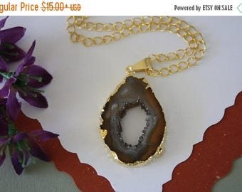 ON SALE Druzy Necklace Gold, Geode Necklace, Crystal Necklace, Gold Geode Slice Druzy, GG111