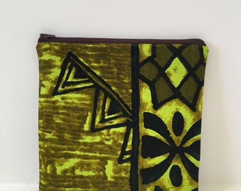 Zipper Pouch/ Cosmetics Bag/ Hawaiian Barkcloth/ Vintage