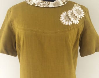 1960s Vintage Mod Gold Linen Drop Waist with Daisy Detail and Print Dress  m