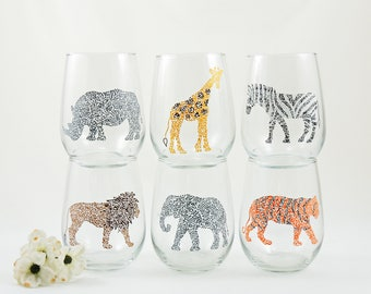 Lion, rhino, giraffe, elephant, tiger or zebra glass - Hand painted stemless wine glass - Safari Collection, realistic colors