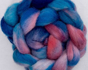 Hand dyed Cheviot, hand dyed roving, tops, fibre, felting materials, felting projects, hand spinning, needle felting, Spinning wool