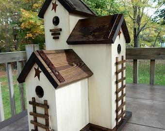 Folk Art Primitive Rusty Star Grungy White Saltbox Bird House Birdhouse