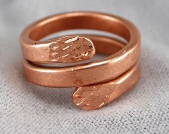 COPPER RING HAMMERED, Handmade Hammered Copper, Satin Finish ,Comfortable fit, Multiple sizes, some use for Arthritis pain,15 mm wide. 12 ga