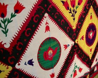 Vintage 70's Colorful Suzani Teapot Design Embroidered Textile 9 ft x 5 ft