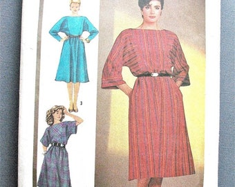 ON SALE Simplicity 6686 ©1984 Misses' Easy-to-Sew Pullover Dress Vintage Sewing Pattern Bust 32.5 34 and 36 inches