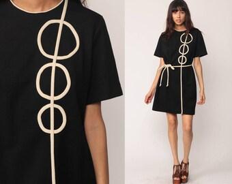 Space Age Dress Mod Mini 60s CIRCLE PRINT Black Stewardess Geometric Twiggy Belted 70s Vintage 1960s Gogo Short Sleeve Shift Go Go Large