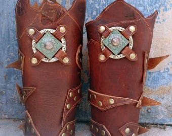 Primitive Oiled Brown Leather Peaked Bracers Armor Ren Faire SCA w Celtic Square & Stamped Ring