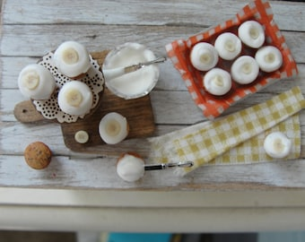 Dollhouse miniature banana cupcakes
