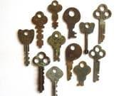 12 vintage flat keys Antique keys Old skeleton keys Flat keys Old odd keys Little skeleton keys Vintage keys Skelton key Small key Unique #2