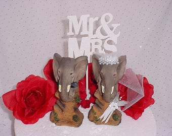 Elephant bride and groom wedding cake topper-Elephant lover Jungle Wedding decorations-Circus Elephant Animal Lover Woodsy Themed Event-W1