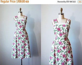 ON SALE Vintage 1940s Dress - 40s Pinafore Dress - Pink Red Rose Print Cotton Sundress XS S - Maybelle Dress