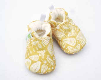 Organic Vegan Bees and Butterfly / All Fabric Soft Sole Baby Shoes / Made to Order / Babies
