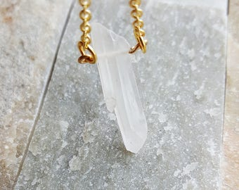 Crystal Quartz Necklace, Crystal Point Necklace, Stone Necklace, Minimalist Jewelry, Geology, Gemstone Necklace, LayeringJewelry