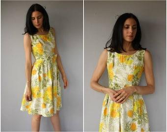 Vintage 60s Dress • 1960s Dress • 1960s Floral Dress •  50s Floral Dress • 60s Day Dress  • Floral Print Dress • 1950s Dress  - (small)