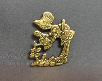Vintage Girl With Watering Can Brass Pin 5666 Free Shipping