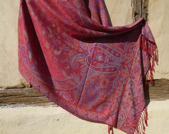 "Reversible Paisley Pashmina /shawl/stole.  Choice of 2. Man made fibre. 70 x 28""  178 x 71 cm"