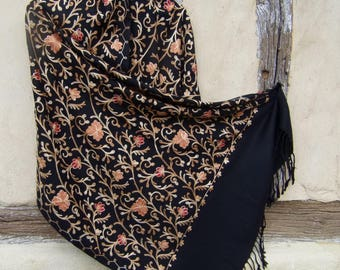 """Embroidered Black Floral Stole. Kashmir Luxurious shawl. Pure wool. 80 x 28""""  204 x 72 cm"""