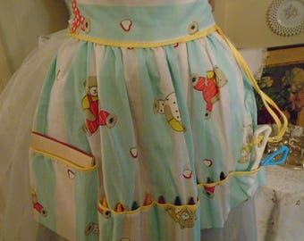 Child's Craft Apron  Cotton Teddy Bear Print Crayons  Pack Accessories