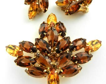 Juliana DeLizza & Elster Brooch Pin Earrings Rhinestone Topaz Amber - stylized and very brilliant maple leaf in vibrant colors ~ Art.862/4