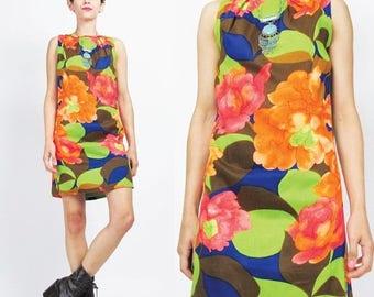 25% off Summer SALE Vintage 1960s Floral Mini Dress Bright Large Graphic Floral Print Sheath Dress Sleeveless Mini Dress Pleated Petites 60s