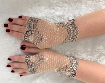 Beige fingerless  lace short  gloves