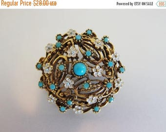 ON SALE Pretty Vintage Faux Turquoise and White Enamel Flower Brooch