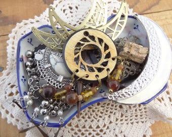 Vintage Jewelry Lot - Tribal - Crescent - Moon - Charms - Tassel Bib - Jewelry findings - Vintage Destash - D134
