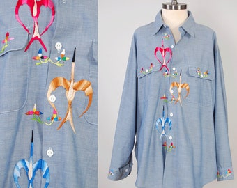 Vintage 70s hand embroidered chambray shirt / Oversized boyfriend button down / Hippie chambray