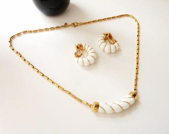 Vintage Monet White and Gold Wire Wrapped Choker Necklace and Earrings 16 Inch Decorative Gold Chain
